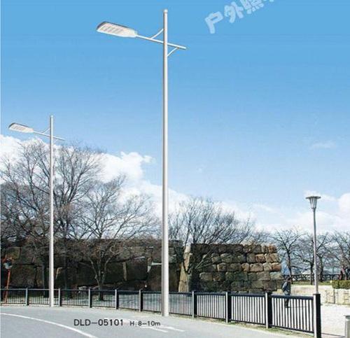 太阳能路灯的灯杆应该如何保养?