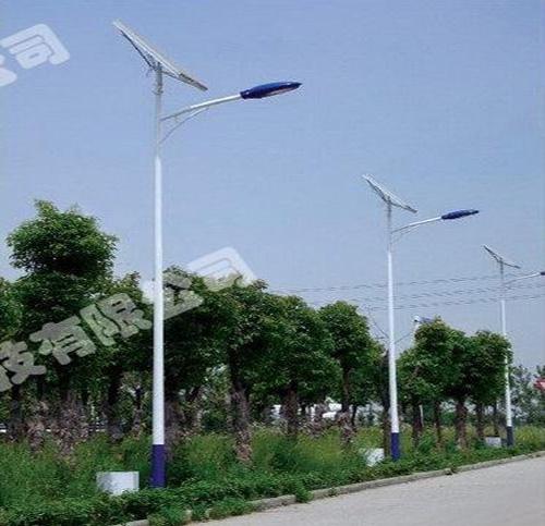 太阳能LED路灯由哪些部件组成?
